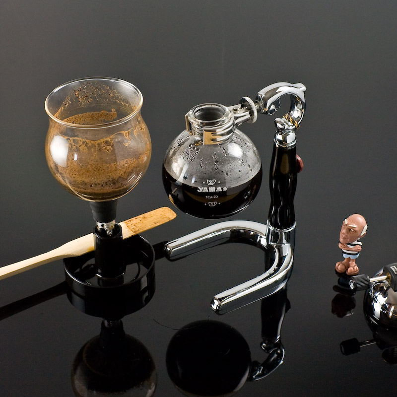 Siphon Coffee Maker How It Works : Using a Siphon Coffee Maker