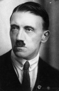 Hitler04