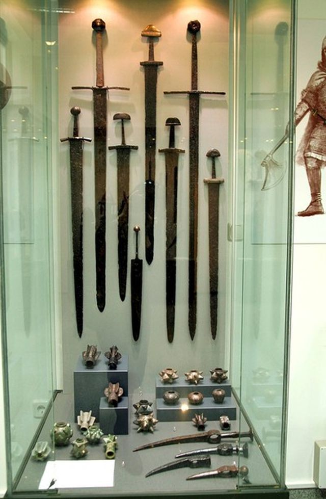 Unseen Prehistoric Arms Ancient Amp Medieval Swords Made