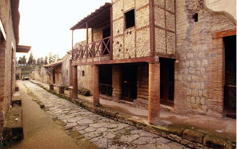 Habitats At Herculaneum And Early Roman Interior Decoration
