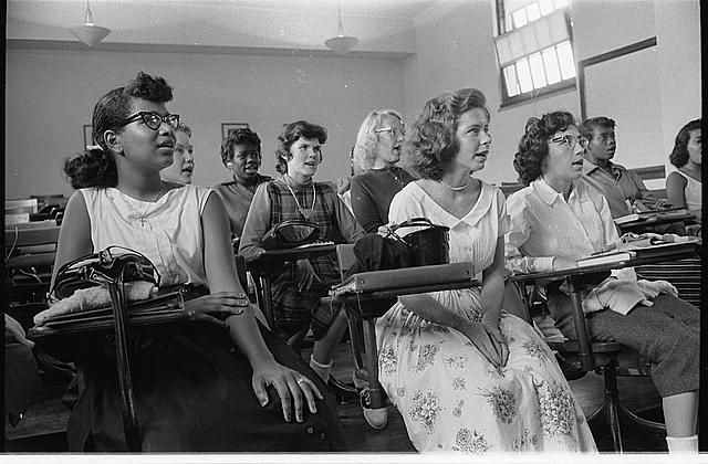 segregated schools before 1954 - 600×390