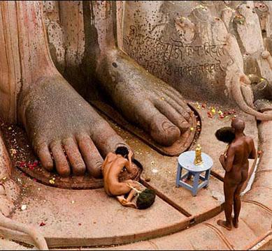 Digambara Monks Making it Vernacular i...