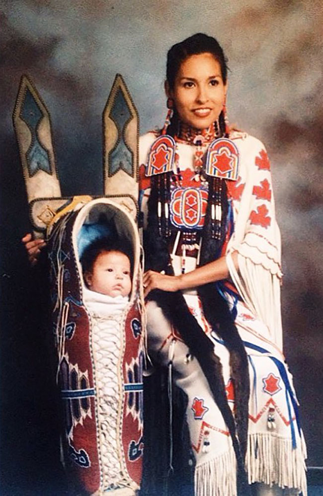 The Ancient Native American Baby Carrier Is Making A Comeback