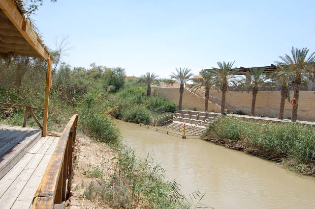 rivers of eden the struggle for water and the quest for peace in the middle east