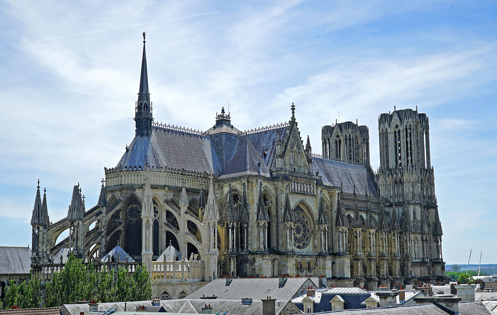 A Very Brief Introduction to Gothic Architecture – Brewminate